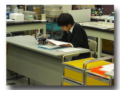 ロボット制御プログラムを考察中