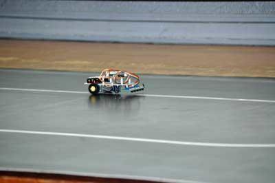 ライントレースカーの走行の様子