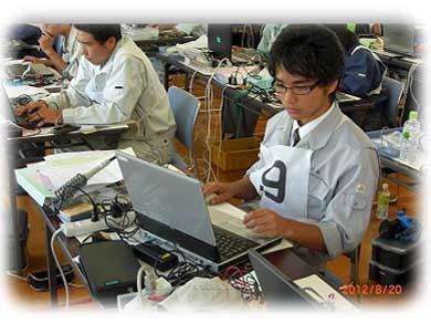 関東大会 プログラミングの様子
