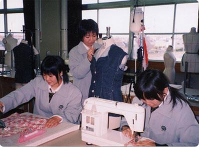 服飾デザイン科実習風景